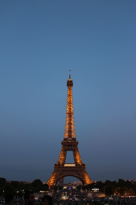 eiffel-tower-918463_1920